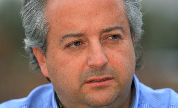 Periodistas «paran el carro» a ministro Nicolás Monckeberg tras entregar información falsa a la prensa, sobre votación que rechazó salario mínimo