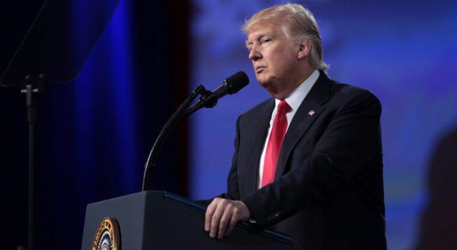 Trump aseguró que Maduro es «derrocable», y EE.UU. impuso sanciones a esposa de Maduro y sus cercanos políticos.